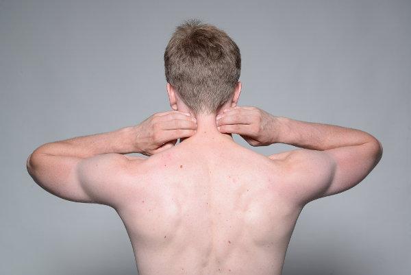 Den Klumpen in der Kehle tut die linke Seite des Halses eben weh
